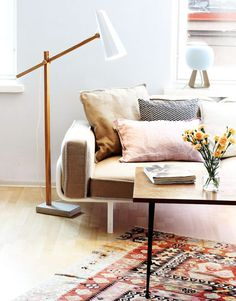 The Filly Long Neck Floor lamp by Himmee is a beautifully crafted, contemporary, statement lamp made from natural materials. The use of finished oak stand, folded aluminium shade and a rough concrete base which all contrast perfectly to make for a styl Modern Interior, Interior Design, Interior Ideas, Interior Inspiration, Different House Styles, Unique Floor Lamps, Floor Lamp With Shelves, Contemporary Lamps, Scandinavian Design