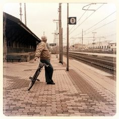 Aspettando il #treno a #cesena #romagna #bianconero #blackandwhite #cesenaturismo  #streetphotography #bicicletta #bike #igfriends_emiliaromagna_  #instafood  #instaromagna #igersfc #igersemiliaromagna #ig_forli_cesena #ig_emiliaromagna #vivoemiliaromagna  #vivoforlicesena  #ig_emilia_romagna #volgoitalia #volgoemiliaromagna #volgoforlicesena #emiliaromagna_super_pics