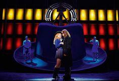 Hinterm Horizont - Das Musical über das Mädchen aus Ostberlin mit den Hits von Udo Lindenberg im Stage Theater am Potsdamer Platz in Berlin.