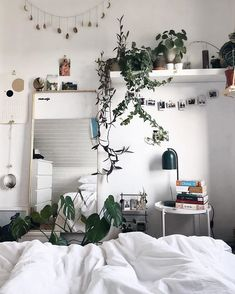 Cute Room Decor Aesthetic 23 cute dorm room decor ideas on this page that we just love www. 23 cute dorm room decor ideas on this page that we just love room decor 28 we love t. Room Ideas Bedroom, Small Room Bedroom, Home Bedroom, Bedroom Inspo, Bedroom Modern, Modern Room, Bedrooms, Minimalist Bedroom Small, Diy Bedroom Decor
