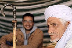 Photo:Tedjani K. Chapitre 9 La vérité se nourrit autant de mythes que le contraire J'aimerais à présent, vous dresser quelques courts portraits d'Algériens, qui furent parmi les plus intimes à mon éducation écologique. Tous et toutes enfants d'une époque...