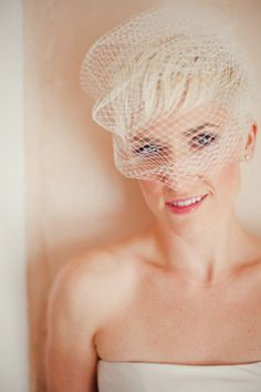 Short wedding hair with birdcageveil
