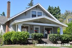 Beautifully maintained home - Mt Tabor neighborhood in Portland, Oregon.
