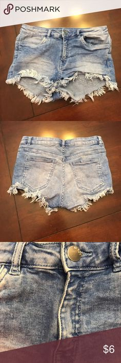 Cute jean shorts! Stretchy and perfect for summer! Perfect condition Divided Shorts Jean Shorts