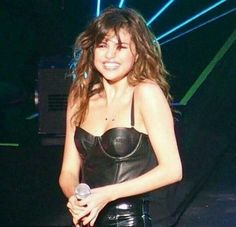 Selena Gomez Is Living Her Best Life in Mexico For Cousin's Bachelorette Party - Celebrities Female Selena Gomez Smiling, Selena Gomez Fotos, Selena Gomez Hair, Selena Gomez Style, Selena Gomez Cute, Boyfriend Justin, Alex Russo, Marie Gomez, Pure Beauty
