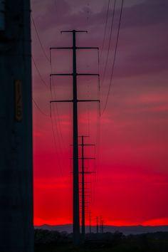 Powerlane by Vassili Broutski, via 500px | Mooie kleuren, het paarse deel van de lucht werkt goed met de gradient