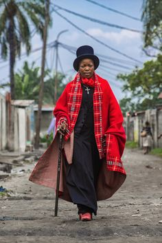 """In Kinshasa, Democratic Republic of Congo, women are wearing menswear to make a statement on the sexual violence in the capital, in a movement called """"Les Sapeuses,"""" or """"Lady Dandies. Congo, Clowns, Afro Punk Fashion, Tomboy Fashion, Wooly Bully, Dandy Style, Costume, Vogue Fashion, African Fashion"""
