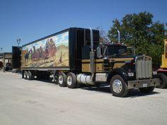 Look! It's Snowman's semi truck!
