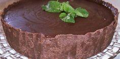 http://receitasnacozinha.com.br/receita-de-chocotorta-de-maracuja-com-calda-de-chocolate/