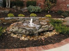 Rocking Look with The Backyard Landscape Ideas for Small Yards: Bubbling Backyard Landscape Ideas For Small Yards