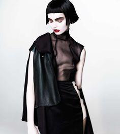 Goth-Like Geisha Photoshoots : Emily Green by Henryk Lobaczewski