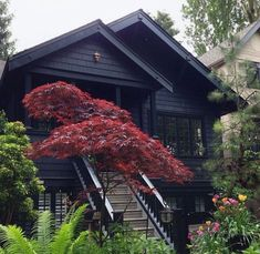 55 Awesome Home Exterior Design Ideas. You can fix your home exterior design even if you do not have much money. In this article I am going to talk about the ways to improve your home exterior design. White Exterior Houses, Black Exterior, Exterior House Colors, Exterior Paint, Exterior Design, Interior And Exterior, Exterior Homes, Casa Loft, Dark House