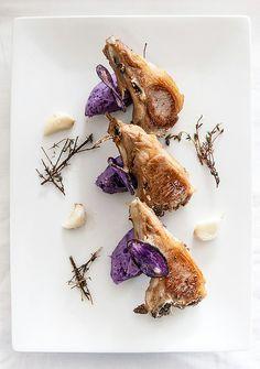 Côtelettes d'agneau de lait et purée vitelotte// Lamb chops with Vitelotte mashed potatoes