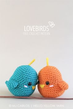 Quick and easy crochet amigurumi lovebirds. Perfect project for beginners. Free pattern and assembly tutorial available.