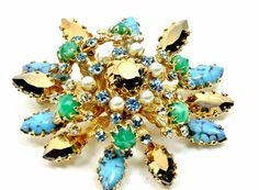Vintage Schreiner Brooch, Turquoise and Gold, Complex Composition, Prong Settings by imagiLena on Etsy https://www.etsy.com/listing/526283405/vintage-schreiner-brooch-turquoise-and