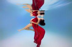 Su Altındaki Deniz Kızı Hamileler - Amerikalı fotoğrafçı Adam Opris'ten hamile Anne adaylarının su altında çekilmiş deniz kızlarını andıran sihirli fotoğrafları…