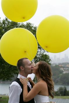 Gorgeous! 3ft balloons for wedding photo shoots