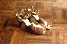 vintage NOS 1940s shoes / brown leather heels by honeytalkvintage, $100.00