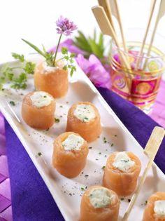 Nos petits roulés saumon-Kiri sont parfait en toute circonstance : entrée, apéro... #kiri #recette #saumon #cream #cheese #yummy #kids #food #apero #gourmand #easy #Makis #fromage