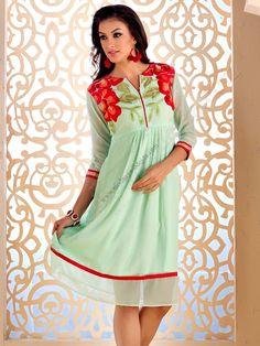 Аквамариновое красивое платье из шифона, с рукавами ниже локтя, украшенное вышивкой скрученной шёлковой нитью