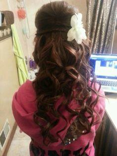 Homecoming hair! No flower though, because I'm junior princess so I gotta wear my crown.. Duh(;