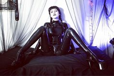 Sitting like a fine lady... photo by @the_kwizatz_haderach #latex #latexfetish #rubber #catsuit #goth #gothgirl #suchalady #pnw #legsfordays