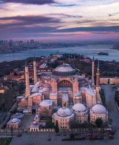 2020 World Travel Populler Travel Country Hagia Sophia Istanbul, Istanbul City, Europe Photos, Turkey Travel, City Photography, Beautiful Architecture, Places To See, Paris Skyline, Nature