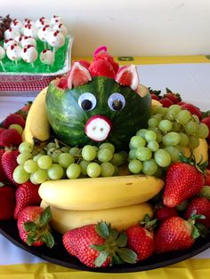 Watermelon pig Watermelon Pig, Watermelon Farming, Farm Party, Farm Animals, Tractor, Party Ideas, Chocolate, Fruit, Birthday