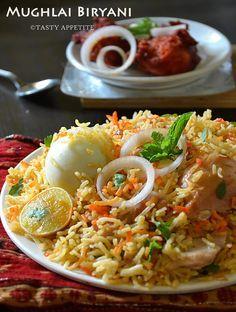 MUGHLAI CHICKEN BIRYANI http://www.tastyappetite.net/2013/03/how-to-make-mughlai-biryani-mughlai.html