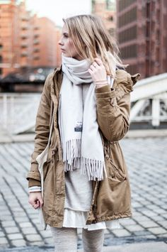 Cozy Look for cold Days: Camel Parka, Acne Scarf, Layerings - Hamburg, Streetstyle, Outfit, Blogger
