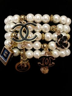 The sterling silver bracelets have actually been extremely popular among ladies. These bracelets are available in various shapes, sizes and designs. Chanel Jewelry, Fashion Jewelry, Coco Chanel, Chanel Pearls, Matching Couple Bracelets, 4 Diamonds, Chanel Fashion, Sterling Silver Bracelets, Elegant Woman