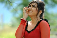 Still single and young actress Hansika Motwani has become of 25 children. God bless her!