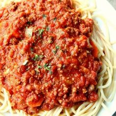 Slow Cooker Chilli, Slow Cooker Recipes, Crockpot Recipes, Easy Recipes, Dinner Recipes, Slow Cooker Bolognese Sauce, Bolognese Recipe, Sausage And Penne Recipe, Sausage Casserole
