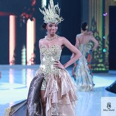 Miss Cameroon. | 37 Over-The-Top Evening Gowns From The 2013 Miss World Fashion Show