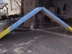 Dog Agility I want to build this for Redford! DIY A-frame, teeter, and weave poles - Build obstacle course: a climbing wall, teeter-totter and weave sticks. Dog Training Equipment, Agility Training For Dogs, Dog Agility, Dog Training Tips, Training Schedule, Training Exercises, Fitness Exercises, Diy Dog Kennel, Dog Kennels