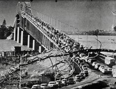 Bill ✔️ Auckland Harbour Bridge on opening day! Some will say the traffic jams have not changed a great deal! New Zealand. Old Images, Old Photos, Nz History, Harbor Bridge, New Zealand Houses, Auckland New Zealand, Kiwiana, Rural Area, What Is Like