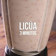Video de Leche de Almendras Casera Try this rich and healthy homemade almond milk. It is a rich option to replace cow& milk. Healthy Drinks, Healthy Snacks, Weight Watcher, Vegetarian Recipes, Healthy Recipes, Vitamix Recipes, Apple Smoothies, Indonesian Food, Going Vegan