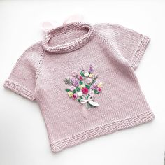 New Baby Clothes Crochet Yarns 59 Ideas Kids Knitting Patterns, Knitting For Kids, Knitting Designs, Baby Patterns, Cute Toddler Girl Clothes, Modern Baby Clothes, Designer Baby Clothes, Knitted Baby Outfits, Knitted Baby Clothes