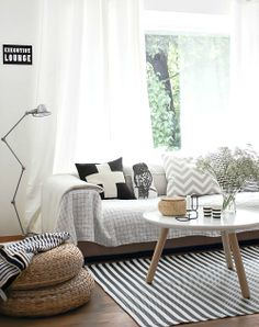 Comodoos Interiores -Tu blog de Decoracion-: Un salon detallado muy nordico. Decoracion en blanco y mader