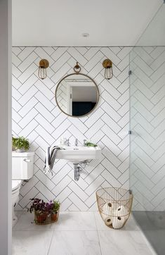 This Tile Trick is a Game Changer for Small Bathroom Interior Design Loft Bathroom, Upstairs Bathrooms, Loft Ensuite, Bathroom Showers, Small Attic Bathroom, Basement Bathroom, Floating Bathroom Sink, Chevron Bathroom, Funky Bathroom