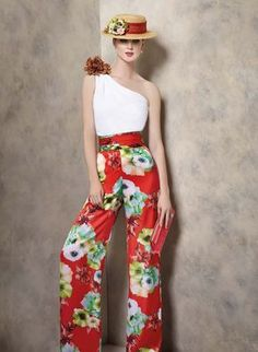 Vestido de Fiesta de Ángela Ariza (A1905), largo Classy Dress, Classy Outfits, Chic Outfits, Floral Palazzo Pants, Floral Pants, Fiesta Outfit, Mom Dress, Couture, Fashion Show