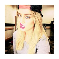 Perrie via Tumblr We Heart It ❤ liked on Polyvore featuring little mix, perrie edwards, perrie and imagenes
