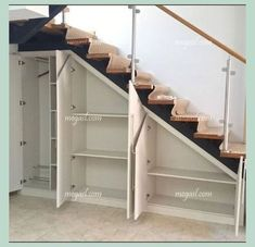 Awesome Cool Ideas To Make Storage Under Stairs 1 Basement Stairs Awesome basementremodel cool ideas Stairs storage Bedroom Closet Storage, Basement Storage, Basement Stairs, Basement Bedrooms, Basement Plans, Walkout Basement, Diy Bedroom, Closet Under Stairs, Open Basement