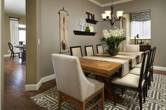50+ Dining Room Decorating Ideas - Modern Interior Paint Colors Check more at http://www.soarority.com/dining-room-decorating-ideas/
