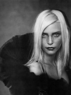 Nadja Auermann by Paolo Roversi, Vogue Paris, 1994.