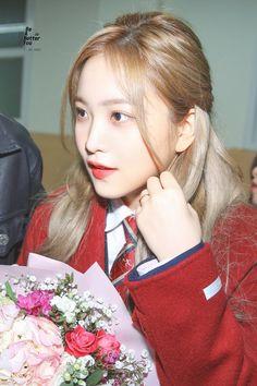 ʚ pin - lloverrose ɞ Kpop Girl Groups, Korean Girl Groups, Kpop Girls, Seulgi, Rapper, Kim Yerim, Red Velvet Irene, Me As A Girlfriend, Korean Singer