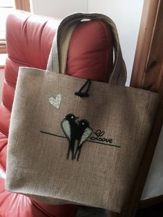 40th birthday present for my friend. I got the bag pattern and template of the birds off Pinterest. I love making these bags, love the way you can personalise each one.  Hope she likes it!! : )