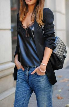 Look absolutely stylish yet casual in a black blazer and blue jeans. Fashion Mode, Look Fashion, Womens Fashion, Fashion Trends, Fashion Basics, Fall Fashion, Fashion Black, Fashion Ideas, Luxury Fashion