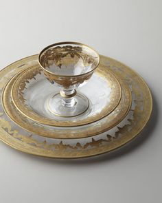 Gorgeous dinnerware! Since its glassware, just changing the table cloth will create a different effect.