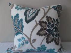 Your place to buy and sell all things handmade Modern Decorative Pillows, Decorative Pillow Covers, Floral Pillows, Colorful Pillows, Pattern Design, Print Design, Floral Design, Toss Pillows, Accent Pillows